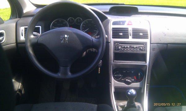 Peugeot 307 sw 1 6l hdi 110cv 7 places an 10 2004 for Interieur 307 sw