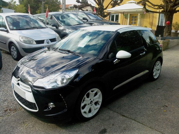 citroen ds3 thp 150 sport chic an 2010 35000kms vendu le 09 11 2013 class auto 69. Black Bedroom Furniture Sets. Home Design Ideas