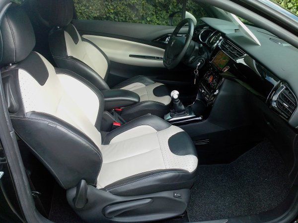 citroen ds3 thp 150 sport chic an 2010 35000kms vendu le 09 11 2013 class auto 69. Black Bedroom Furniture Sets. Home Design Ideas