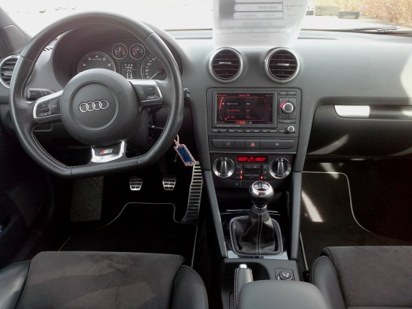 audi s3 sportback phase ii an 01 2009 41800kms vendu le 15 03 2014 class auto 69. Black Bedroom Furniture Sets. Home Design Ideas