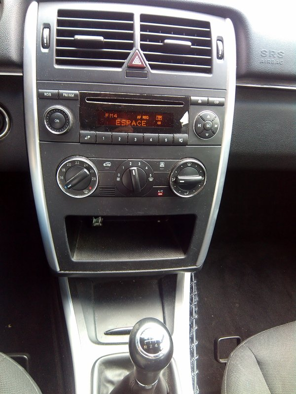 mercedes classe b 180 cdi 110cv pack design an 07 2006 156000kms vendu le 05 10 2016 class. Black Bedroom Furniture Sets. Home Design Ideas