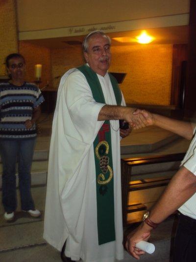 LOS INVITO A COLABORARLE AL PADRE WILLIAM SIVERIO RAMOS.