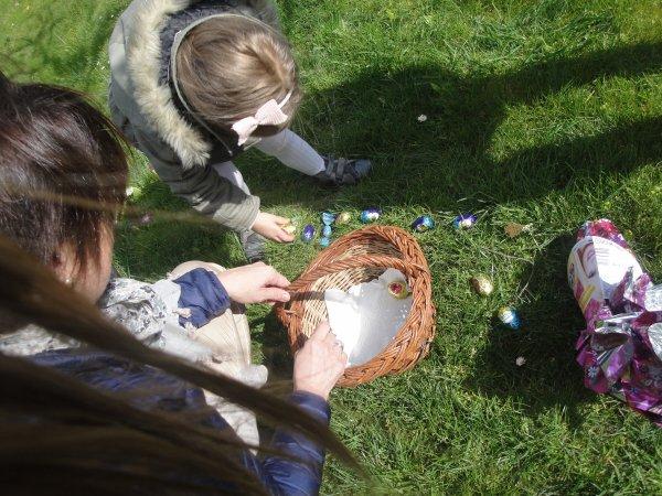 Pâques...La chasse aux oeufs.