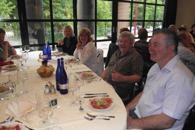 Sfeerbeelden tijdens het V.v.N.K. Feestdiner in Het Wijnhuis te Geel  - 28.05.2011