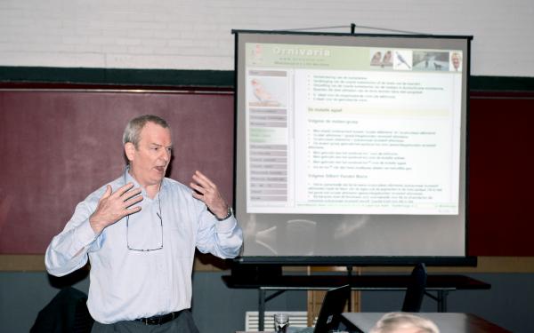 Grootmeester Gilbert Vanden Borre geeft college bij LvA te Bambrugge (B) 02-06-2013