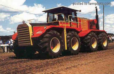 le plus gros tracteur au monde c est beaux un tracteur. Black Bedroom Furniture Sets. Home Design Ideas