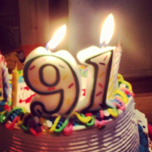 10 Ao�t: G�teau d'anniversaire pour les 19ans de Rydel + poeme fait par une fan de Rydel a l'occasion de son anniversaire