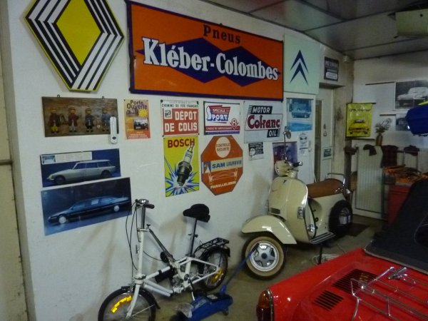 Photo prise au garage de son p re ma vie dans le for Reprise de ma voiture par un garage