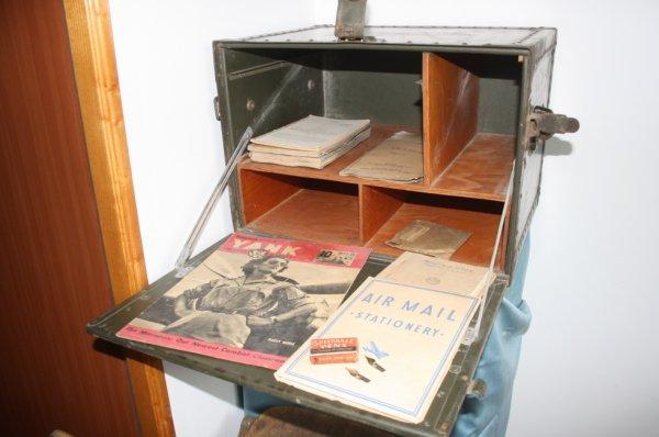 Bureau de campagne et chaise pliante us mat riels for Chaise us ww2