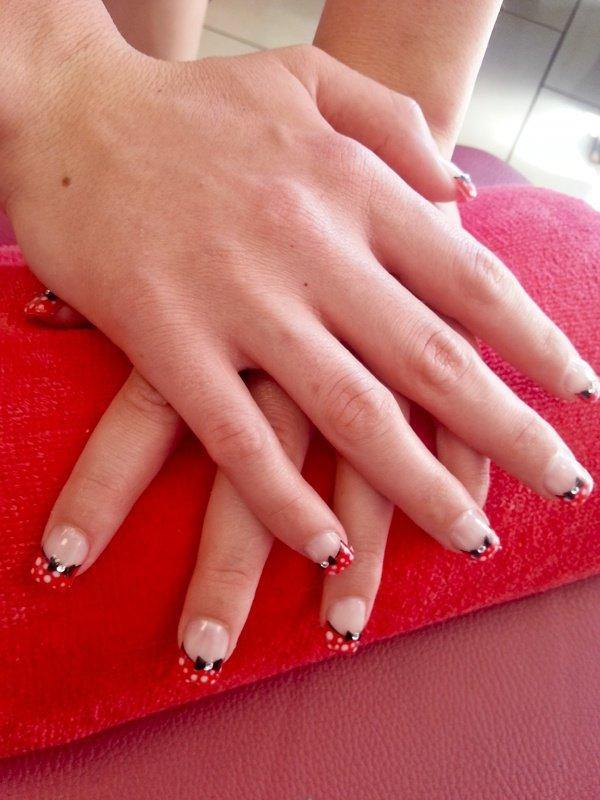 ongles gel rose pois blancs decors noeud papillon quick epil quick epil proepil. Black Bedroom Furniture Sets. Home Design Ideas