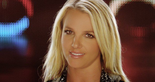 Britney lance une pipe