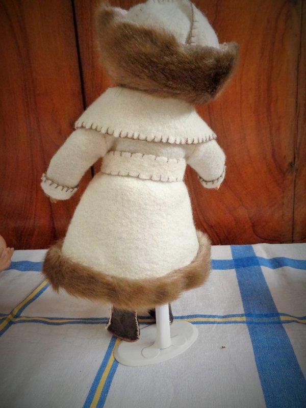 Bleuette adore sa tenue de tsarine .