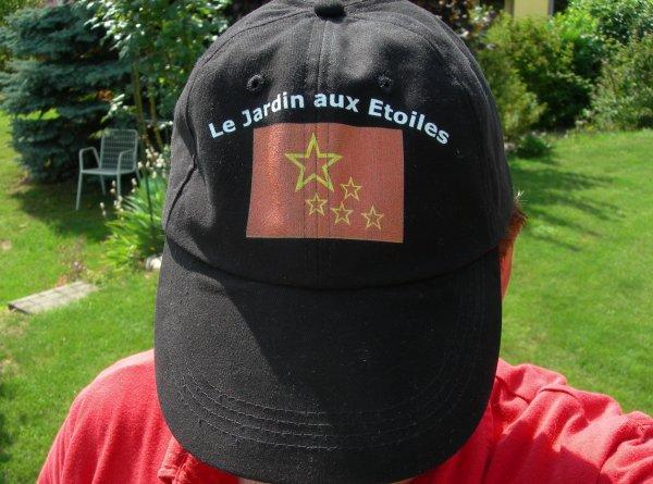 Une casquette pour les h�tes du Jardin aux Etoiles