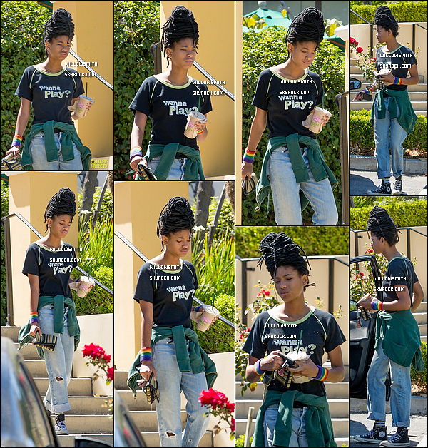 . 16/09 : Willow Smith � �t� rep�r�e apr�s avoir �t� cherch�e un smoothie dans la ville de Calabasas, � Los Angeles. Willow �tait toute belle et naturelle comme � son habitude, j'aime beaucoup ce qu'elle porte �a fait bien plaisir d'avoir une sortie.     .