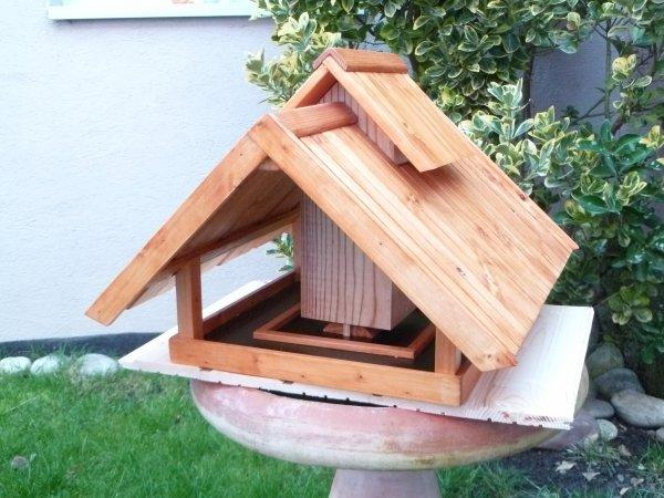 Mangeoire pour oiseaux janvier 2012 blog de passion bois - Plan de mangeoire pour oiseaux du jardin ...