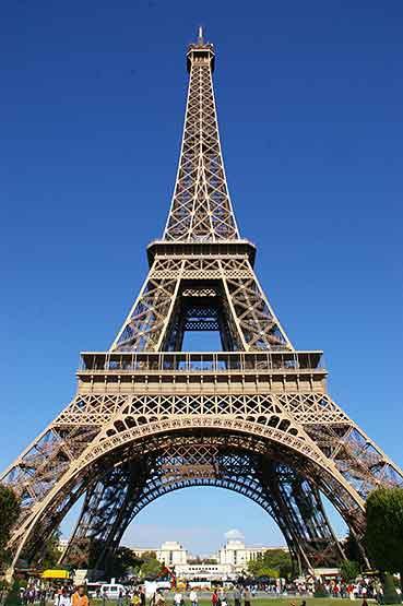 LA FRANCE EN DEUIL ET GUERRE (l)