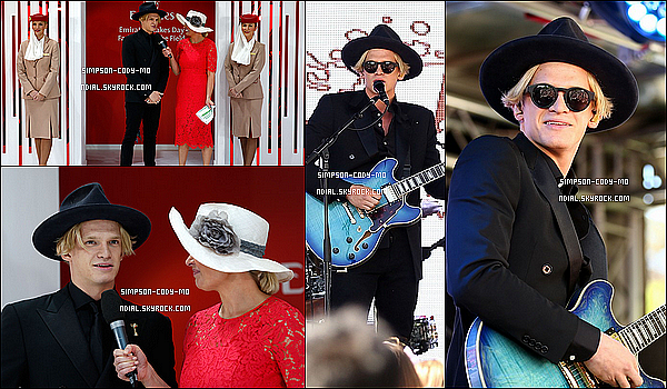 07/11/15 ♦ Cody Simpson �tait pr�sent aux Emirates Stakes Day � Flemington Racecourse dans Melbourne.