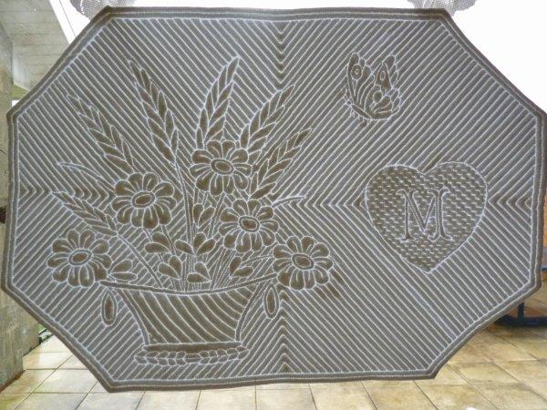 un set de table en boutis le patch st hub. Black Bedroom Furniture Sets. Home Design Ideas