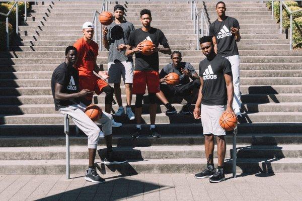Découvre les 8 nouveaux membres de la Adidas Rocky Class et les nouvelles Adidas D Lillard 2 Shark Black Edition !