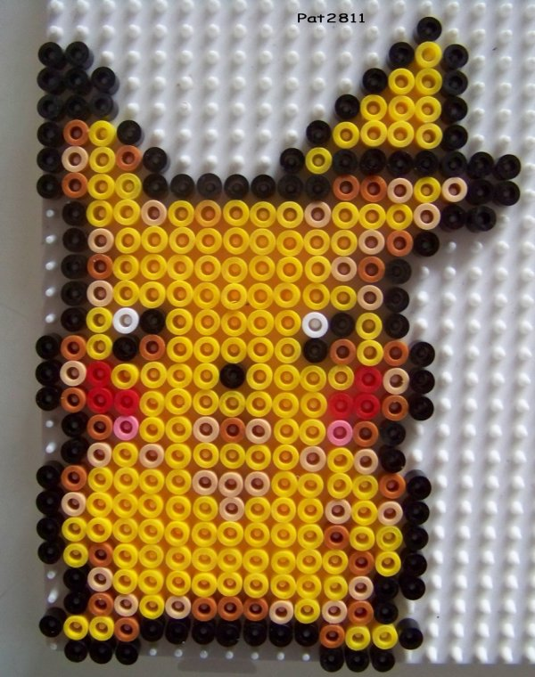Model pikachu perle hama pika pikachu fan club - Model perle a repasser ...