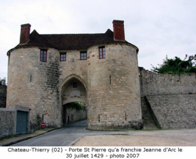 chateau medieval de chateau thierry sitehisto 02. Black Bedroom Furniture Sets. Home Design Ideas