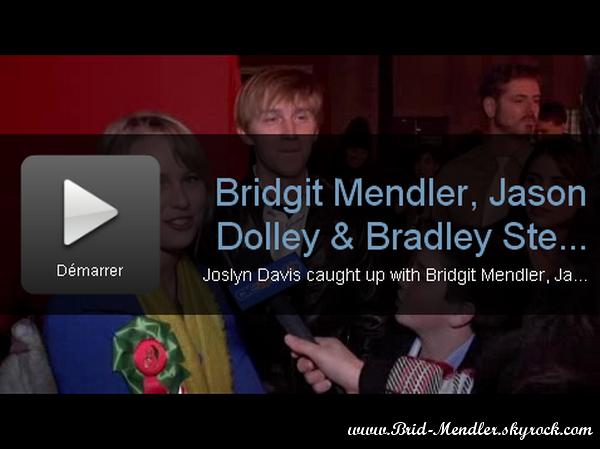 .     « Vidéos de Bridgit & ses co-stars à la parade de Noël d'Hollywood ce 28 Novembre (article associé) »      .