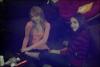.       «  Oh oui.... C'est pour ça qu'on est amies ! Notre plaisir : massage de pied .  Postés par Bridgit à Sam Boscorini sur Twitter.  »         .