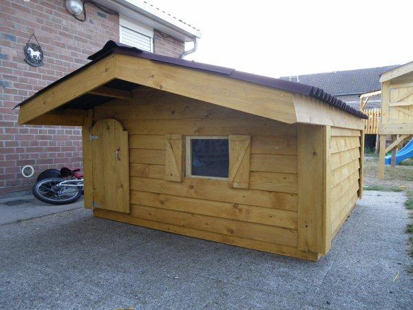 niche pour gros chien blog de bois jerome. Black Bedroom Furniture Sets. Home Design Ideas