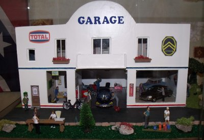 Diorama garage citroen 1 43 blog de voitureminiature60 - Garage miniature citroen ...