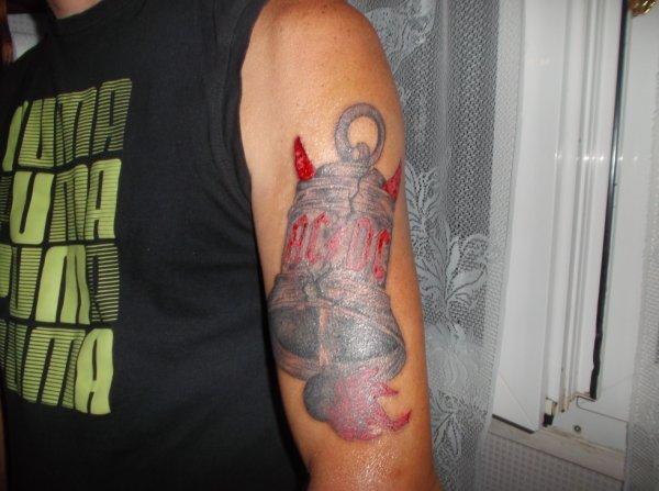 tatoo acdc