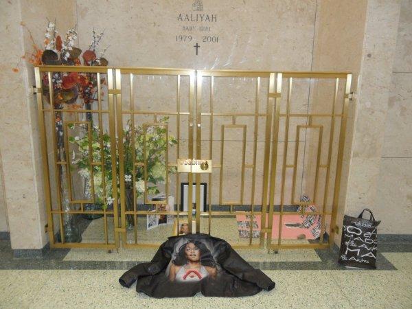 At Ferncliff: le 1er Mai... quelle tristesse de voir Michael à ses côtés :(