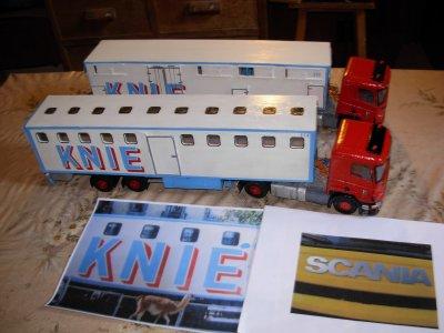 véhicules KNIE avec tracteurs SCANIA