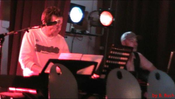 Elie au piano