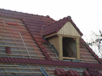 avancement de la toiture la construction de wanda et. Black Bedroom Furniture Sets. Home Design Ideas