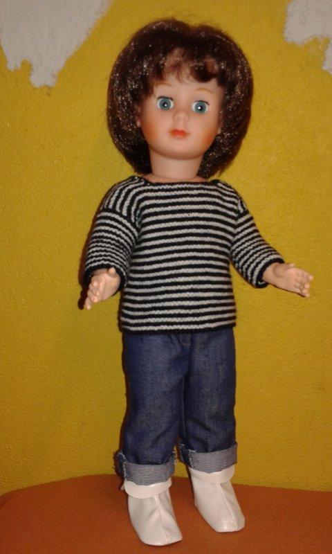 Marie-Fran�oise en marini�re tricot�e et jean retrouss� d'avril 1976