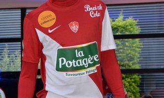 Aldyr Garcia Schlee, Grace de Monaco : Ils ont créé un maillot mythique