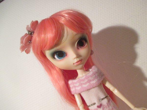 harmonia avec sa nouvelle wig !!!