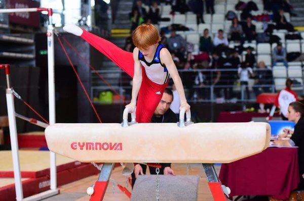 3 gymnastes de la quimp� au france � Montb�liard