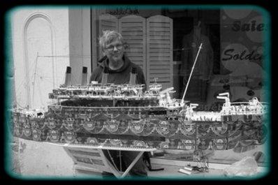 55 :  Un � Titanic � venu tout droit d'Italie flotte � Chalon