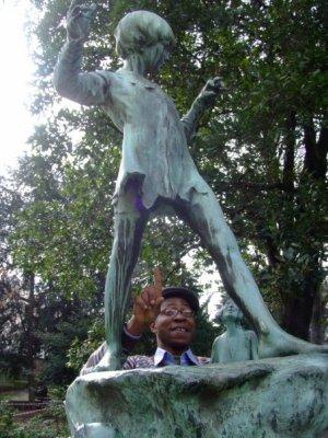 Peter pan l 39 enfant merveilleux du jardin d 39 egmont a - Statue de jardin belgique ...