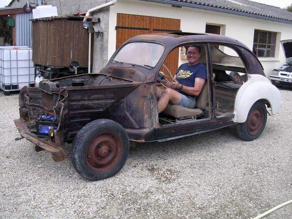 Premi�re toilette..............................Peugeot 203 de 1949