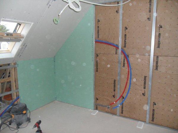16 mars 2012 isolation pignons et pose des rails notre maison mikit dans le morbihan. Black Bedroom Furniture Sets. Home Design Ideas