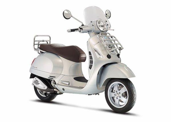 2015 Vespa Sprint - Walkaround - 2014 EICMA Milan Motorcycle Exhibition