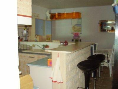 Encore la cuisine avec le bar americain l 39 amour et l for Cuisine avec bar americain