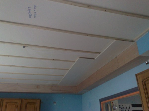 Prolongation de la gaine technique et latage pour faux for Pose de faux plafond pvc
