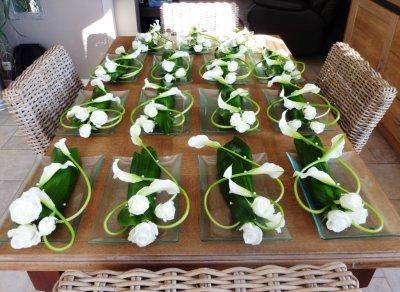 invasion de milieux de table sur table cours d 39 art floral. Black Bedroom Furniture Sets. Home Design Ideas