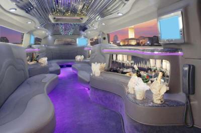 L 39 interieur de humeur limousine le monde de la musique for Interieur limousine