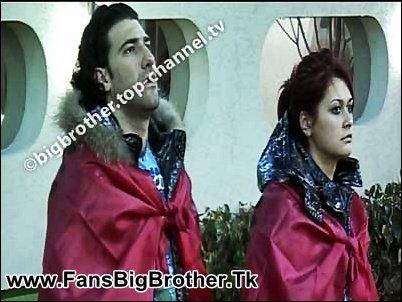 Neda dhe Ogreni me flamur shqiptar :)