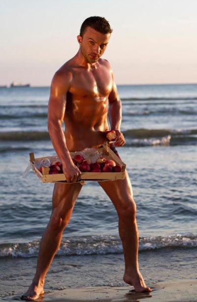 Flet modeli Valer Kolnikaj: Vlashi me prirje homoseksuale dhe nj� model mashtrues