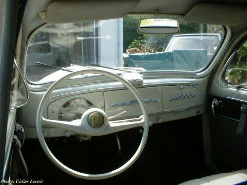 Int rieur peugeot 203 1958 voiture ancienne du 83 for Interieur 83